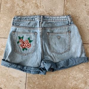 Guess shorts with embroidered flower